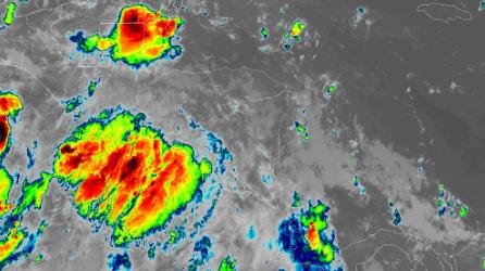 Tormenta tropical en formación entre Costa Rica y México amenaza con fuerte lluvias e inundaciones