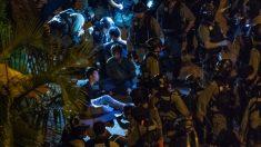 Filman a policía de Hong Kong torturando y humillando a manifestantes detenidos