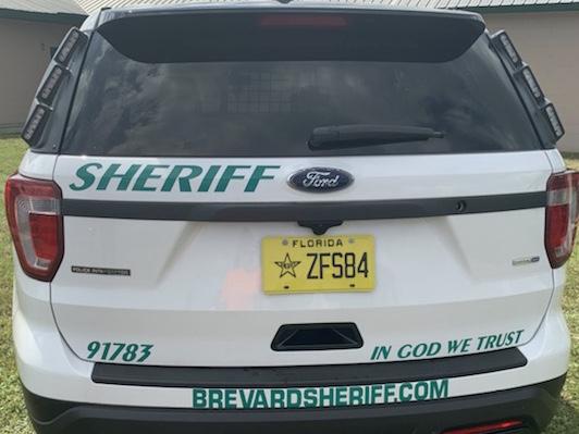 Parte trasera de un vehículo del condado de Brevard, Florida, Departamento del Sheriff. (Cortesía del Condado de Brevard) Parte trasera de un vehículo del condado de Brevard, Florida, Departamento del Sheriff. (Cortesía del Condado de Brevard)