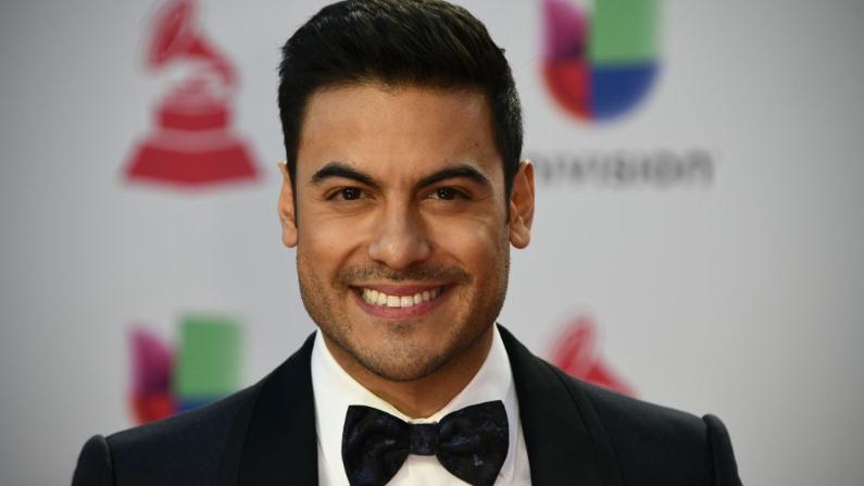 El cantante mexicano Carlos Rivera llega a la 19ª edición de los Premios Grammy Latinos en Las Vegas, Nevada, el 15 de noviembre de 2018. (BRIDGET BENNETT/AFP vía Getty Images)