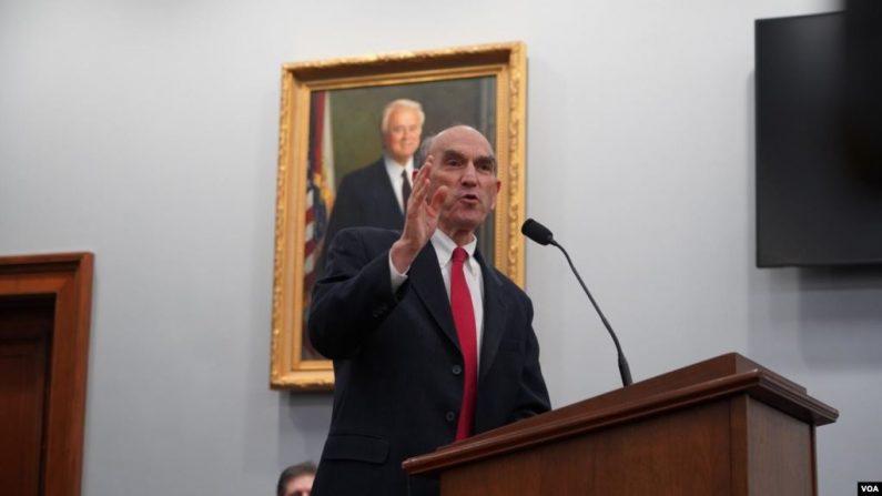 El representante de Estados Unidos para los asuntos de Venezuela, Elliot Abrams, participó el miércoles 13 de noviembre de 2019 en un evento de la la Alianza Americana -Venezolana, en Washington. (Foto de VOA)
