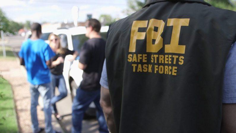 Especialistas en víctimas del FBI en Denver durante una operación contra la trata de personas en julio de 2019. (FBI)