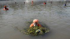 Conozca al asombroso hombre que limpió un río de 160 kilómetros de largo con sus voluntarios