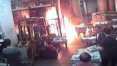 ¡Incendio premeditado! Delincuentes atacan a la imprenta Epoch Times de Hong Kong