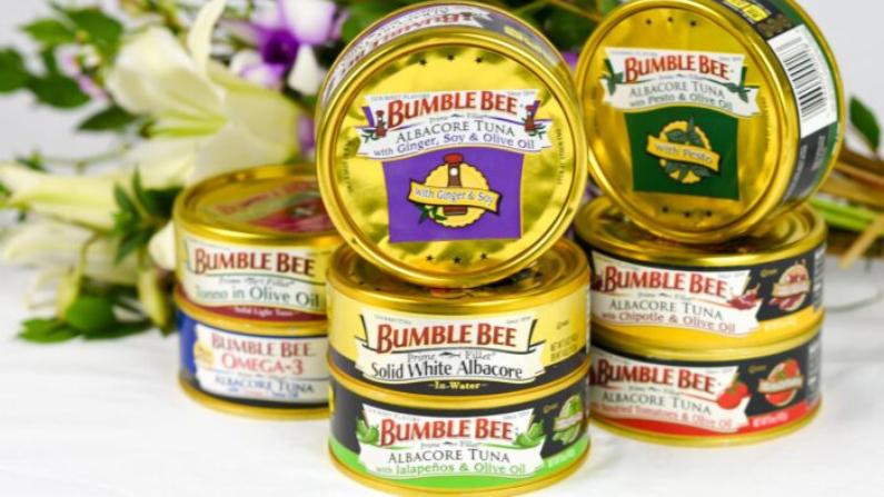 Foto de archivo de atún albacora en lata vendida por Bumble Bee Foods. (Cortesía de Bumblebeefoods/Instagram)