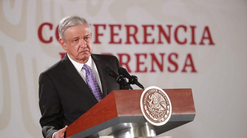 Andrés Manuel López Obrador durante su conferencia matutina el 13 de noviembre de 2019. (Hector Vivas/Getty Images)