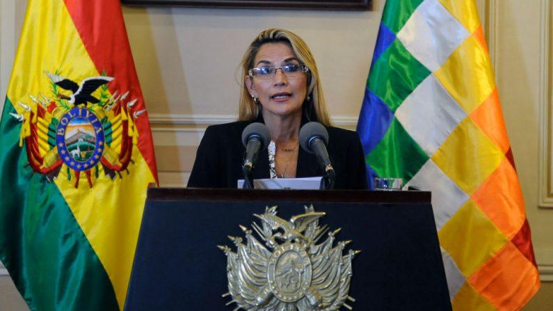 La presidenta interina de Bolivia, Jeanine Áñez. (Jorge Bernal/AFP/Getty Images)