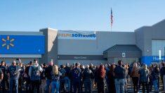 Walmart de El Paso reabre sus puertas después del tiroteo que cobró 22 vidas