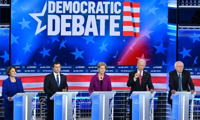 Los candidatos presidenciales demócratas participan en el quinto debate primario demócrata de la temporada de la campaña presidencial de 2020, el 20 de noviembre de 2019. (Saul Loeb/AFP vía Getty Images)