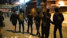 Manifestantes envían una advertencia severa al mundo desde el campus sitiado de Hong Kong