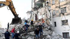 Terremoto en Albania de 6,4 grados con fuertes réplicas deja derrumbes con muertos y cientos de heridos