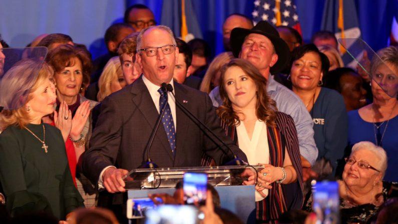 El gobernador de Louisiana, John Bel Edwards, ha sido elegido para un segundo mandato, derrotando al empresario republicano Eddie Rispone luego de una segunda vuelta electoral en Louisiana. (Matt Sullivan/Getty Images)