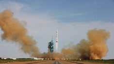Programa espacial de China lanza sobre aldeas una lluvia de desechos de cohetes y combustible