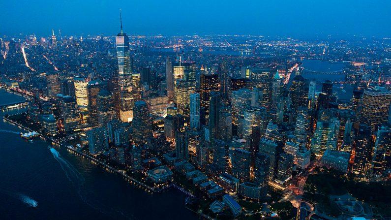 Una vista aérea del Bajo Manhattan al atardecer del 8 de septiembre de 2016 en la ciudad de Nueva York. (Drew Angerer / Getty Images)