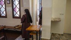 Duas freiras voltam grávidas aos seus conventos após viagem para a África