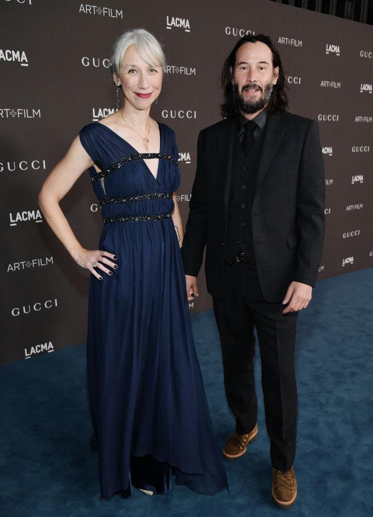 Alexandra Grant e Keanu Reeves participam da Gala LACMA Art + Cinema 2019, apresentada pela Gucci em 2 de novembro de 2019 em Los Angeles, Califórnia (Getty Images para LACMA/Neilson Barnard)