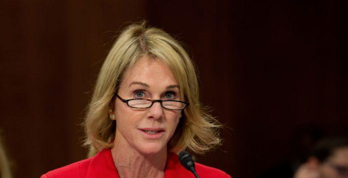A representante permanente dos Estados Unidos na ONU, Kelly Craft, acusou nesta quinta-feira a organização de questionar o direito de seu país de escolher com quem comercializar.