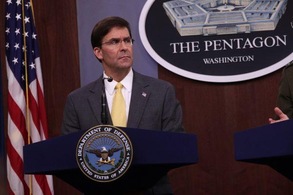 El secretario de Defensa, Mark Esper, realiza una rueda de prensa en el Pentágono en Arlington, Virginia, el 28 de agosto de 2019. (Alex Wong/Getty Images)