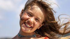 Menina brasileira que caiu do nono andar é salva milagrosamente e se recupera bem de suas fraturas
