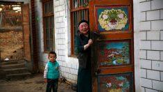 Una joven viraliza denuncia sobre represión uigur en falso tutorial en TikTok