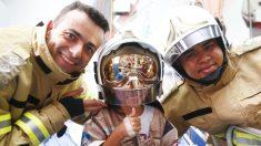 Crianças internadas no Hemorio têm um dia de herói com bombeiros