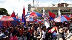Colombianos tomam as ruas para protestar contra o governo