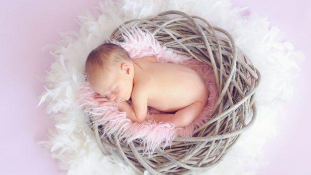 Una bebé recién nacida sobrevive luego de 22 minutos sin respirar, ¡un milagro!