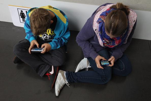 Uso excessivo de tecnologias modernas causa novas doenças (Sean Gallup/Getty Images)