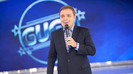 Apresentador Gugu Liberato morre aos 60 anos