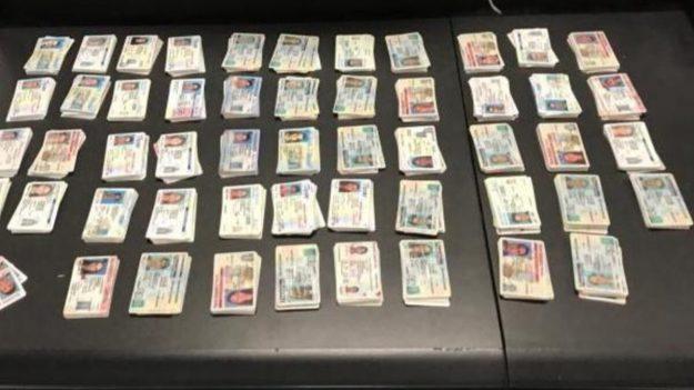 Aduanas de EE. UU. incauta miles de documentos de identidad falsos procedentes de China