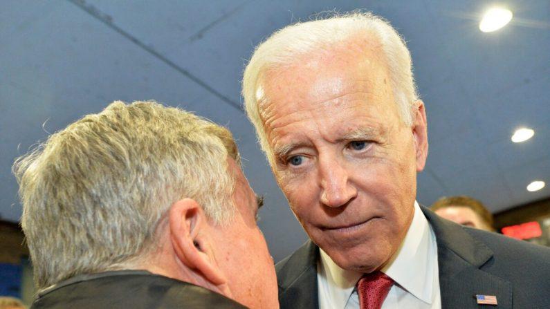 El exvicepresidente demócrata presidencial Joe Biden habla con los partidarios en el Centro Comunitario Proulx en Franklin, New Hampshire, el 8 de noviembre de 2019. (Joseph Prezioso/AFP a través de Getty Images)