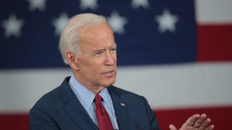 El candidato demócrata a la presidencia, el exvicepresidente Joe Biden habla durante una campaña en Davenport, Iowa, el 16 de octubre de 2019. (Scott Olson/Getty Images)