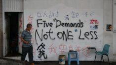 Menino de 12 anos é condenado em Hong Kong por expressar apoio a protestos