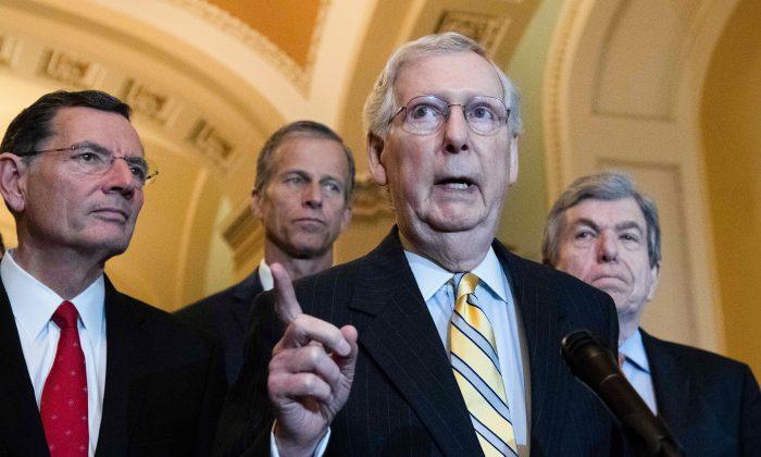 El líder de la mayoría del Senado, el republicano Mitch McConnell, en el Capitolio en Washington el 14 de mayo de 2019. (Nicholas Kamm/AFP/Getty Images)