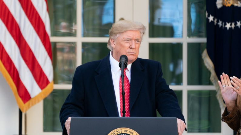 El presidente Donald J. Trump pronuncia un discurso el 26 de noviembre de 2019, en el Jardín de Rosas de la Casa Blanca. (Andrea Hanks/Casa Blanca)