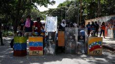 Policiais e estudantes se enfrentam durante protesto na Venezuela