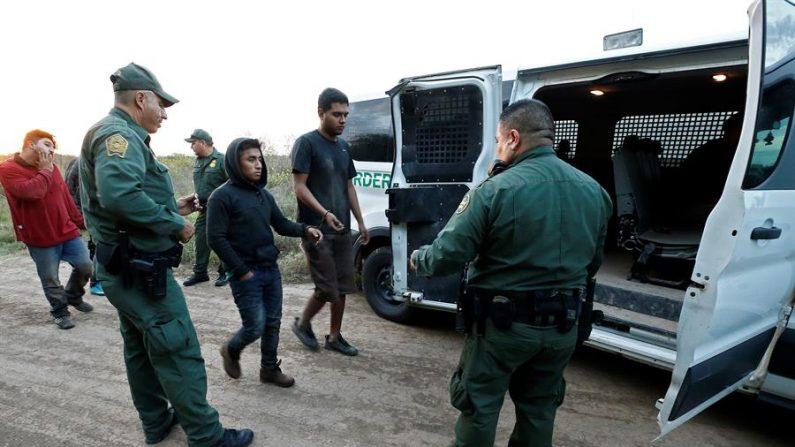 La excavación clandestina fue realizada dentro de uno de los túneles de drenaje del municipio de Nogales, Sonora (México), construidos para evitar inundaciones en la ciudad. EFE/EPA/LARRY W. SMITH/ARCHIVO