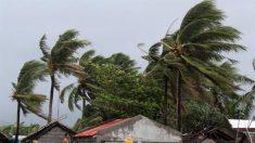 Cuatro muertos y miles de desplazados en Filipinas por el tifón Kammuri
