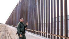 Agentes fronterizos patrullan nuevamente gracias al cambio del programa de asilo que entró en vigor