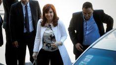 Cristina Fernández llega al tribunal para declarar por presunta corrupción