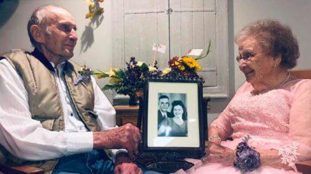 Esposa de 91 anos com demência reconhece marido no 72º aniversário de casamento