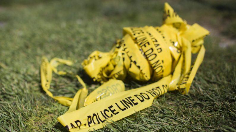 Un paquete de cinta policial de la escena del crimen en una foto de archivo. (Apu Gomes/AFP a través de Getty Images)