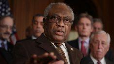 Alto demócrata afirma que la Cámara podría retrasar indefinidamente el impeachment en el Senado