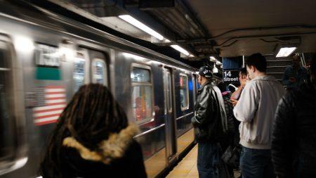 Mujer alcoholizada muere luego de caer a las vías del metro en Nueva York