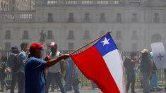 Chilenos se expresan en urnas municipales sobre algunas prioridades sociales