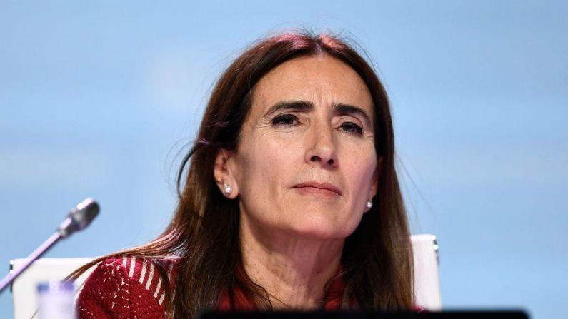 Ministra de Medio Ambiente de Chile y Presidente de la COP25, Carolina Schmidt, asiste a la sesión plenaria de clausura de la Conferencia de las Naciones Unidas sobre el Cambio Climático COP25 en el recinto ferial 'IFEMA-Feria de Madrid', en Madrid, el 15 de diciembre de 2019.  (Foto de OSCAR DEL POZO/AFP vía Getty Images)