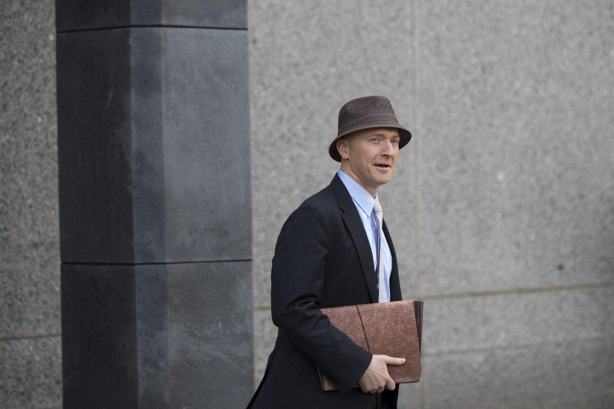 Carter Page llega a un juzgado en la ciudad de Nueva York el 16 de abril de 2018
