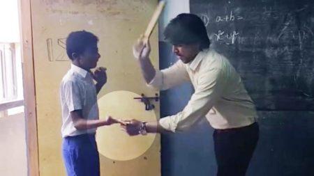 Professor bate em aluno com régua todos os dias por atrasar, então um dia ele descobre a verdade (vídeo)