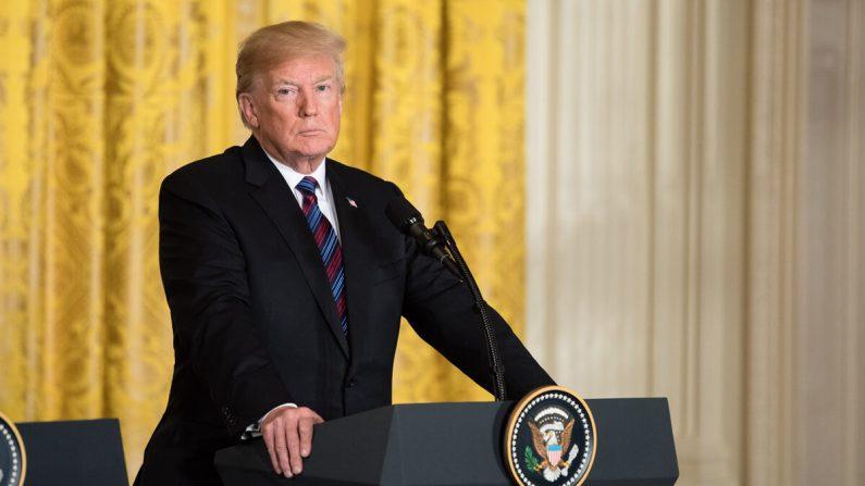 El presidente Donald Trump durante una conferencia de prensa conjunta con los jefes de gobierno de los países bálticos en la Sala Este de la Casa Blanca el 3 de abril de 2018. (Samira Bouaou/The Epoch Times)