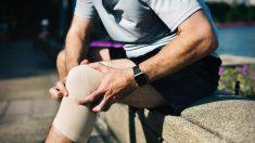 Hacer que la sangre fluya y una buena alimentación puede aliviar el intenso dolor en las piernas